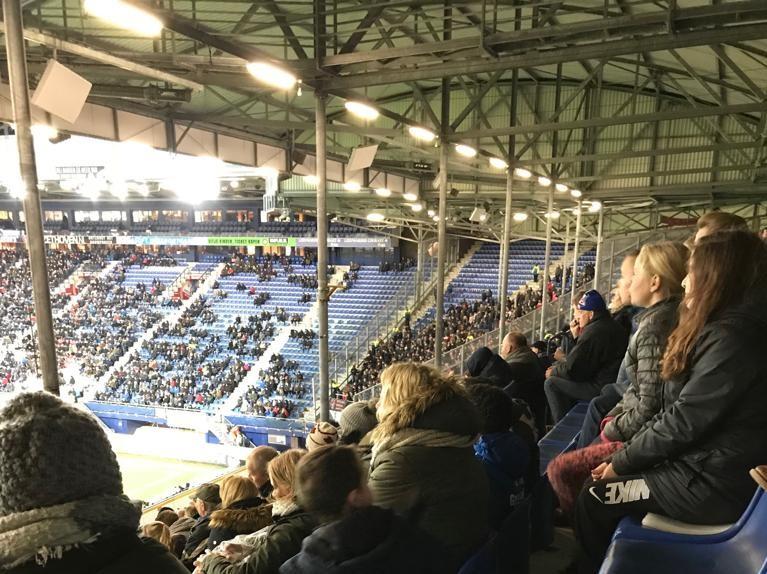 Geslaagd bezoek met de Huiskamer aan een wedstrijd van SC Heerenveen